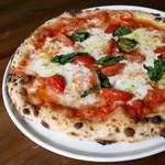 白糠チーズ工房がつくる新鮮なモッツァレラチーズのマルゲリータ