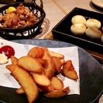 北海道はでっかい道 オホーツクの恵み 湧別町 - 鶏ざんぎ、ポテトフライ、いももち