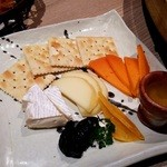北海道はでっかい道 オホーツクの恵み 湧別町 - チーズ盛り合わせ