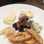 ダルマット - チーズ盛り合わせ