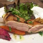 ダルマット - メイン大山鶏と粒マスタード 野菜添え