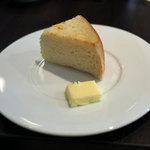 ビストロ ル・セール - ランチコース~シャルマン~のパン