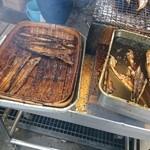 魚増鮮魚店 - 焼き所