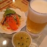 ロータス - 料理写真:サラダ・スープ・生ビール。