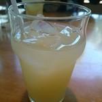 50411146 - 牛タン炭火焼塩味&味噌味(1480円) グレープフルーツジュース