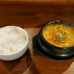 韓国料理 内房 - 豆腐チゲ