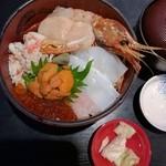 50415280 - 海鮮丼7種盛り。2370円
