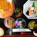 椎の木茶屋 - ランチ(豚カツと刺身)¥1,000