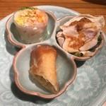 50418294 - 生春巻・揚げ春巻・鶏肉の煮たのの前菜3品