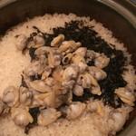 ROBATA 二代目 心 - アサリと海苔の土鍋ごはん