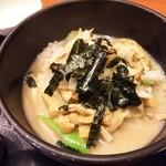 50419441 - (2016/4  訪問)深川丼定食(1250円)の深川丼。白味噌ベースで浅利の身も多め。