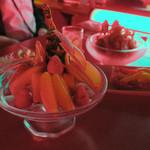 六本木 金魚 - 美しいフルーツ盛り合わせ