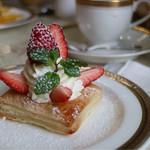 銀座トリコロール - 苺のパイ 〜季節のパイ〜