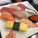 幸甚寿司 - にぎり 800円