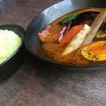 エソラ - フランク&ベーコン野菜カレー
