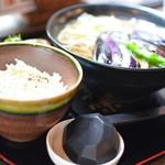 伊豆の華 - 温かい揚げ茄子おろしそばと、おしん飯