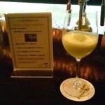 バー・エスメラルダ - ドリンク写真:熊本メロンとシャンパン