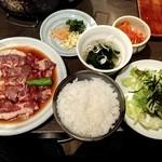 焼肉酒房燔家 - ビッグハラミ定食