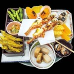 ホテル足摺園 - 料理写真:皿鉢盛(10種ほど)