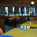カフェコルソマルケ38 - オレンジ色のテーブルクロスです