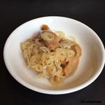 中国四川料理石林 - 茸としらたきの炒め物