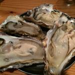 牡蠣とシャンパン 牡蠣ベロ - 生牡蠣