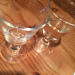牡蠣とシャンパン 牡蠣ベロ - お通し 白ワイン