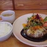 キッチンゴン - 料理写真:マスタードソースのハンバーグ