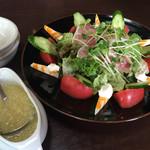 フィオラノ - 料理写真:シェフの気まぐれサラダ