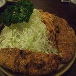 味陶庵 志奈川 - 巨大メンチカツ