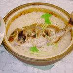 にし野 - 鯛めし、写真は5人前3000円~、一人用切り身鯛飯もある。