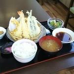 50442991 - 海老、あじ、かき揚げ、カボチャの天ぷら定食