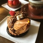 ププリエ  - 料理写真:ププリエのハリネズミのシュー 店全体の味が前より甘くなくなってて上品な味!(前って20年以上前だな…)