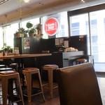 熟成牛ステーキ専門店 Gottie'sBEEF - 窓際はとても明るく開放的
