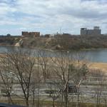 50446401 - 窓から見える春採湖