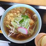 蔵舞たぬき - 料理写真:とり中華 734円
