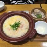 紅虎餃子房 - かに玉子雑炊です。