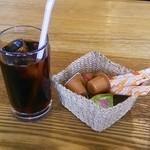喫茶・カフェバー すうぃーとはーと - サービスのアイスコーヒー