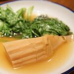 たこ梅 - たけのこ(300円)、きく菜(250円)
