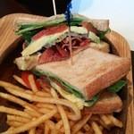 クアアイナ イオンレイクタウン店 - BLT&アボカドサンドイッチ