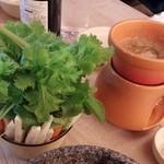 NIJYU-MARU(にじゅうまる)Oriental Market&Bistro - NIJYU-MARU野菜市場のバーニャカウダ