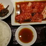 50467681 - 「焼肉御膳」のご飯大盛り、肉1.5倍