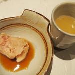 博多水炊きと炭火焼き鳥 美神鶏 - 美神鶏特製水炊き