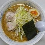 ブーケ - 背脂味噌とんこつラーメン(ネギ トッピング)