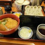 こんごう庵 - ランチセットのへぎそばとたれカツ丼のセット880円、ソバ大盛り(プラスいくらか忘れました)