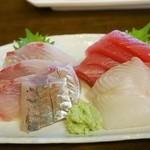 かご平 - さしみ定食 1,200円