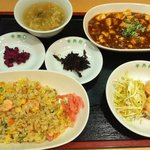 中央軒 - ガッツリ食べたい貴方におすすめ!『得得!中華定食』このボリュームで1200円☆
