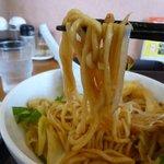 リンガーハット - まぜ辛めんの麺