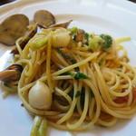 トラットリア はしまや - はしまやランチ:本日のパスタ(アサリとチェリートマトのスパゲティ)