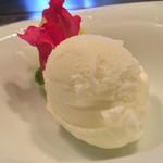 鉄板焼 花 - 鉄板焼 花(東京都渋谷区代官山町)塩ミルクアイス